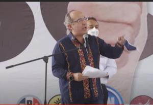 Arenga Felipe Calderón a defender a México en contra del poder absoluto